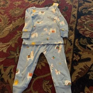 2 piece old navy pajamas size 12-18 months